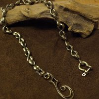 "Inception ""f-hole brass chain"""