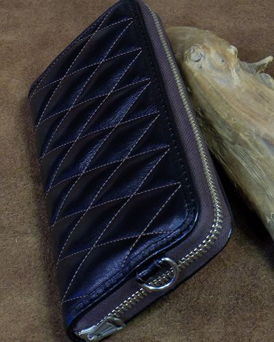 画像1: TOYS McCOY -LEATHER QUILTED LONG WALLET-